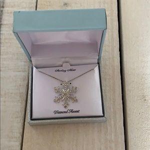 Jewelry - Snowflake diamond necklace